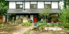 外観: 吉田建築計画事務所が手掛けたレストランです。
