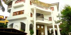 Yusuf Karim House Pics in Althino: modern Houses by Rita Mody Joshi & Associates