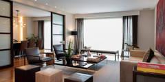Salas / recibidores de estilo moderno por Hansi Arquitectura