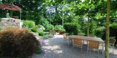 Jardines de estilo moderno por Lustenberger Schelling Landschaftsarchitektur