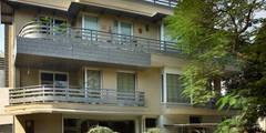 Casas de estilo moderno por DCA Architects