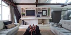 Ruang Keluarga by Estúdio IR