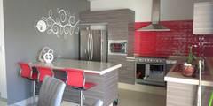 Cocina:  de estilo  por Diseño e Interiorismo