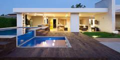 moderne Häuser von Studio AZ