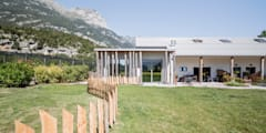 Agriturismo: Giardino in stile in stile Moderno di raro