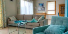 Pièce à vivre : Douceur géométrique : Salon de style de style Moderne par Bleu Cerise
