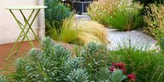 Minéral végétal: Jardin de style de style Méditerranéen par Constans Paysage