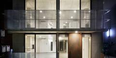 lani ebisu: 腰越耕太建築設計事務所が手掛けた家です。