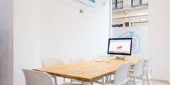 TR3SD: Oficinas y Tiendas de estilo  de C2INTERIORISTAS