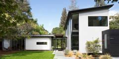Creekside Residence: modern Houses by Feldman Architecture