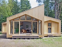 Timber Clad Exterior : modern Houses by Facit Homes