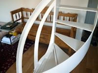 Escalier design profil débillardé:  de style  par La Stylique
