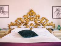 Camera d'oro - Testata del letto - dettaglio: Camera da letto in stile in stile Eclettico di Bianca Coggi Architetto