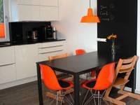 Familienküche: moderne Küche von Sandra Schauer Raum & Design