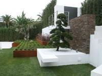 minimalistic Garden by Jardines Japoneses -- Estudio de Paisajismo