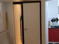 Die Tür hält...:   von ARTfischer Die Möbelmanufaktur.