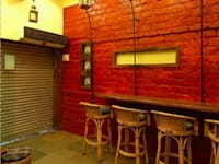 Trendy Café: modern Dining room by home makers interior designers & decorators pvt. ltd.