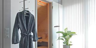 Salle de bain de style  par DAVINCI HAUS GmbH & Co. KG