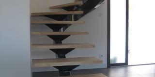 escalier métallique design:  de style  par LBMS. Fabrice Lamouille