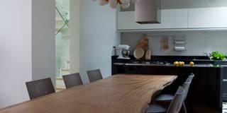 Sala da pranzo in stile in stile Moderno di Consuelo Jorge Arquitetos