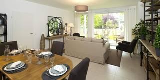 Salle de séjour: Salle à manger de style de style Moderne par Anne Gindre Décoratrice d'Intérieur
