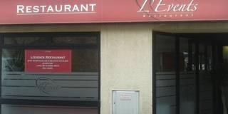 Devanture de l'Évents: Restaurants de style  par Anne Gindre Décoratrice d'Intérieur