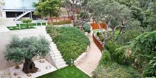 Jardín Costa Brava 1: Jardines de estilo mediterráneo de JARDÍ PEDRA I ARIDS S.L.