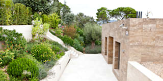 Jardín Costa Brava 2: Jardines de estilo mediterráneo de JARDÍ PEDRA I ARIDS S.L.