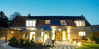Casas de estilo rural de Hart Design and Construction