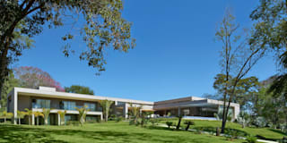 modern Houses by Beth Marquez Interiores
