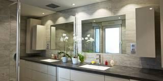 Salle de bain de bain contemporaine: Salle de bain de style de style Moderne par A3Design