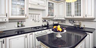 Частный дом в г. Колпино: Кухни в . Автор – Ivory Studio