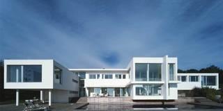 Casas de estilo mediterraneo por SOLER-MORATO ARQUITECTES SLP