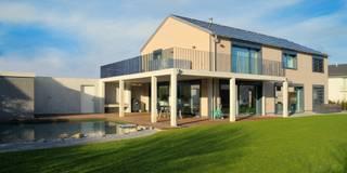 Luxuriöses  Wohnen im Minergie-P Haus: moderne Häuser von Honegger Architekt AG