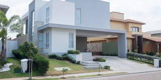 MR Ibiza: Casas modernas por POCHE ARQUITETURA