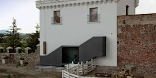 minimalistic Houses by Weber Arquitectos