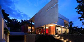 Casa Rinconada: Casas de estilo minimalista por Echauri Morales Arquitectos