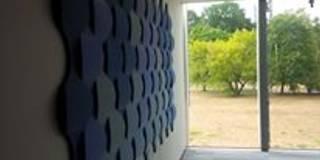 Panele ścienne Flow 2.0 zaaranżowane na ścianie. : styl nowoczesne, w kategorii Ściany i podłogi zaprojektowany przez FLUFFO fabryka miękkich ścian