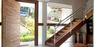 Salas de estilo moderno por Samy & Ricky Arquitetura