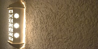 Reboco Decorativo / Acabamento Decorativo: Corredores, halls e escadas rústicos por RenoBuild Algarve