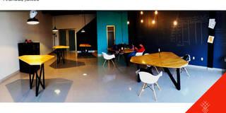 Intervención   Oficinas Tik: Estudios y oficinas de estilo industrial por CÉRVOL