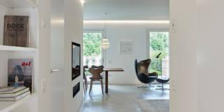 Pasillos, vestíbulos y escaleras de estilo  por Burnazzi  Feltrin  Architects