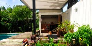 Jardines de estilo moderno de Paula Herrero | Arquitectura