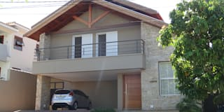 Casas de estilo rural por canatelli arquitetura e design