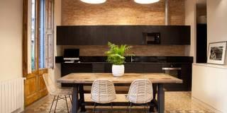 moderne Küche von Brick construcció i disseny