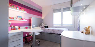Chambre de fille rose,: Chambre d'enfant de style de style Moderne par SKCONCEPT Design Paris