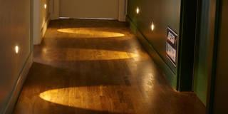 Projekty,  Korytarz, przedpokój i schody zaprojektowane przez dsgnduo