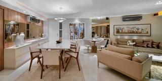 classic Dining room by Lícia Cardoso e Rafaella Resende
