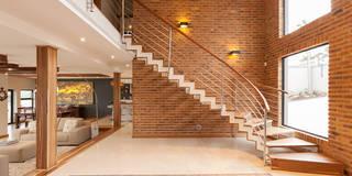 House Naidoo: modern Corridor, hallway & stairs by Redesign Interiors