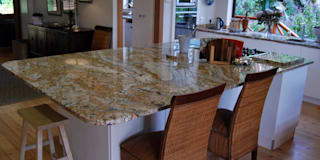 Project : Burchmore: modern Kitchen by Capital Kitchens cc